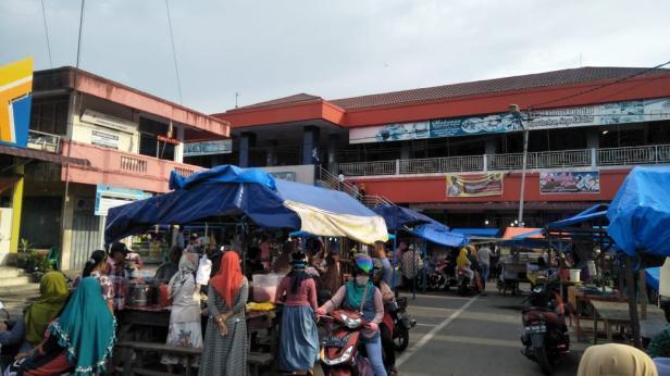Ilustrasi, pasar takjil di Pariaman