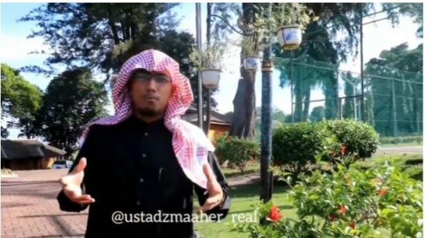 Almarhum Ustadz Maaher At-Thuwailibi