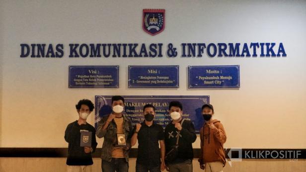 Empat mahasiswa UPI YPTK Padang usai melaksanakan magang di Bidang Kehumasan Pemko Payakumbuh