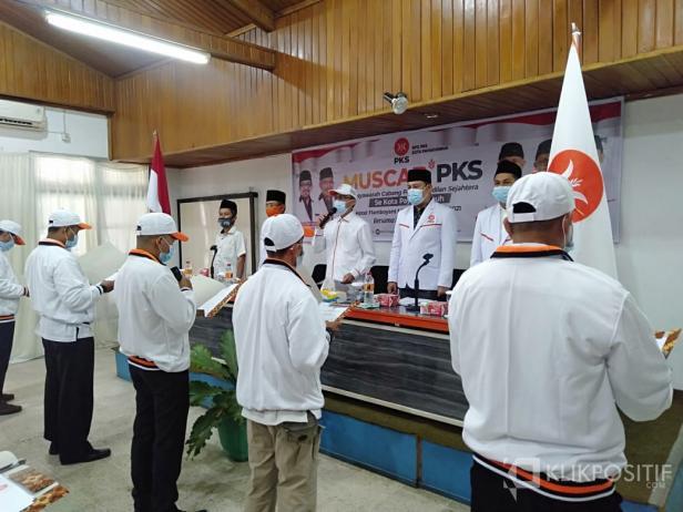 Irsyad Syafar Lantik 5 Kepengurusan PKS Payakumbuh Tingkat Kecamatan