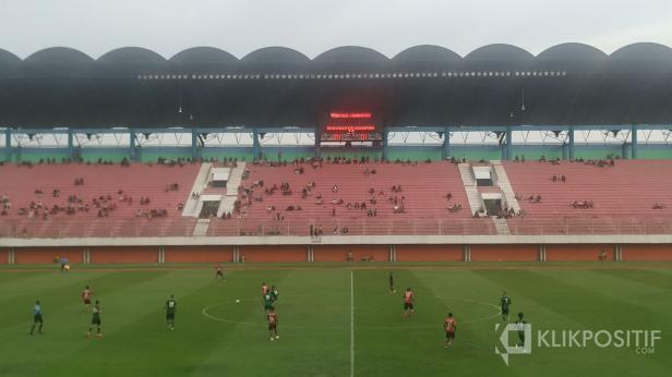 PSS Sleman vs Persipura bermain imbang 1-1 di Stadion Maguwoharjo, Sleman