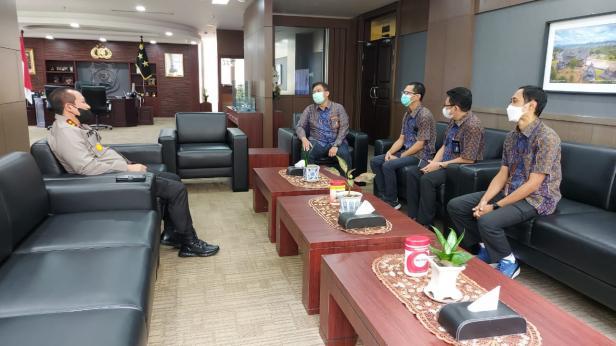 PT PLN (Persero) UIW Sumbar kunjungi Kantor Kepala Kepolisian Daerah Sumatera Barat, pada Kamis (06/05)