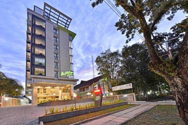 Whiz Prime Hotel Padang