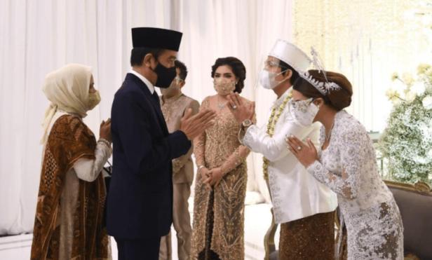 Presiden Jokowi menghadiri pernikahan artis Atta-Aurel