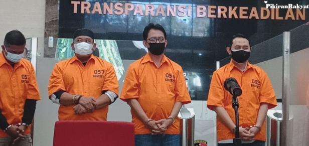 Bupati Nganjuk Novi Rahman Hidayat ditahan