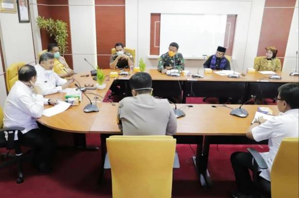 Wako Solok, H. Zul Elfian rapat bersama Forkompinda dan tokoh masyarakat