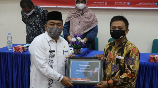 Pemkab Agam mendapat KLIK Award