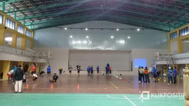 Latihan bersama atlet di GOR H Agus Salim Padang