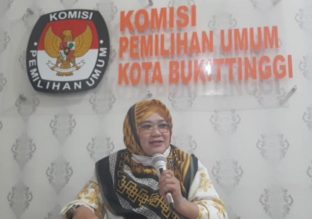 Komisioner KPU Zulwida Rahmayeni