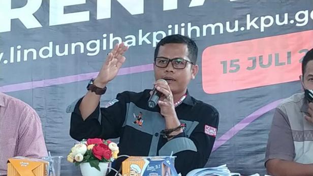Komisioner KPU Kota Solok, Ilham Eka Putra