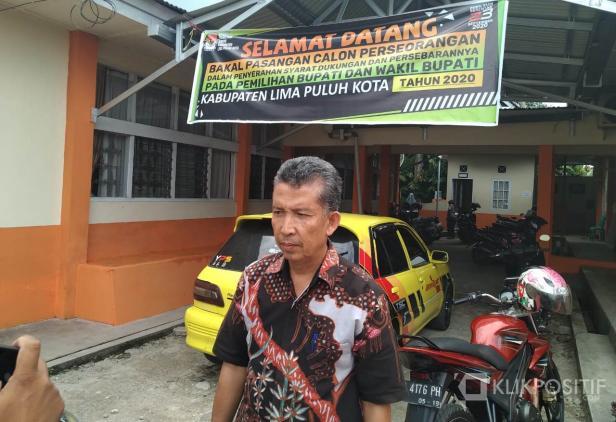 Ketua KPU Kabupaten Lima Puluh Kota, Masnijon.
