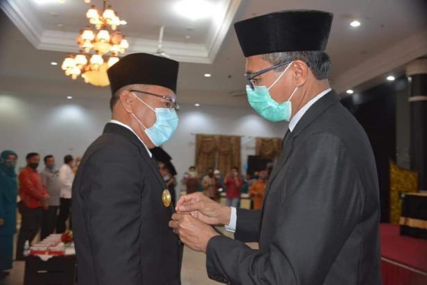 Gubernur Sumbar, Irwan Prayitno mengukuhkan Asben Hendri sebagai Pjs Wako Solok