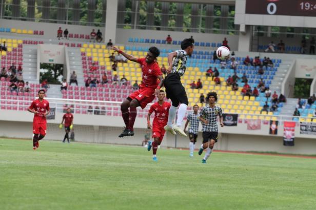 Laga Uji Coba Semen Padang FC Lawan Persis Solo