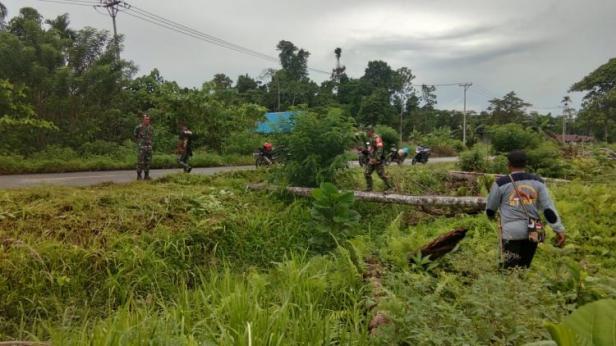 Kapten Inf Andi Irawan Kunjungi Lokasi TMMD di Kampung Dorba