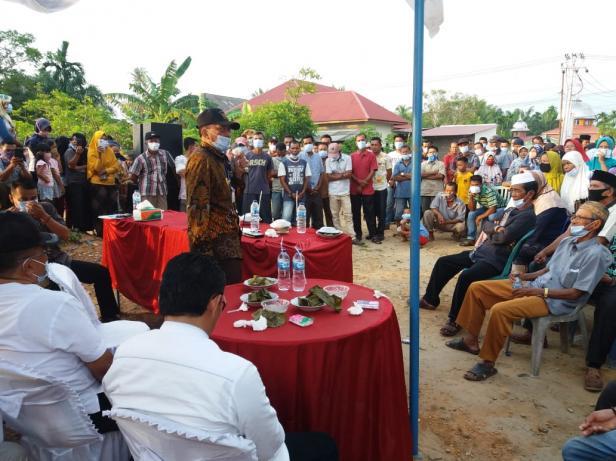 Pertemuan Nelayan Pantai Lakuak Pasar Gompong bersama Bupati Pessel
