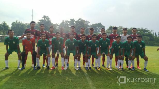 Timnas U-16 bersama PS Sleman U-16 jelang uji coba di Lapangan UII Yogyakarta, Jumat 28 Februari 2020