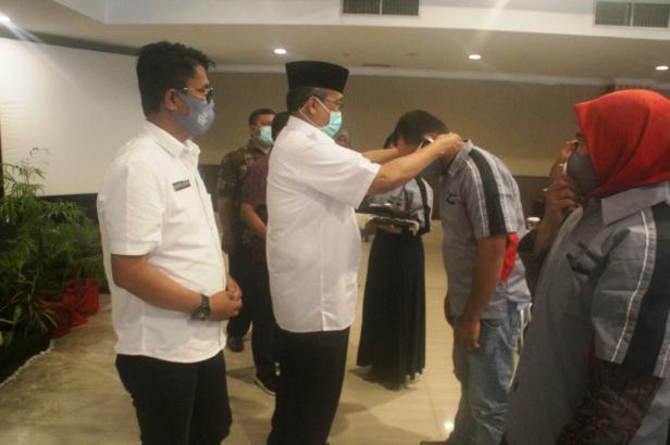 Bupati Solok, H. Gusmal membuka pelatihan bagi 40 orang pengelola Homestay dan pondok wisata kabupaten Solok