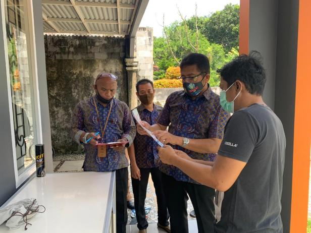 GM PLN UIW Sumbar Bambang Dwiyanto dan tim turun ke lapangan menemui pelanggan