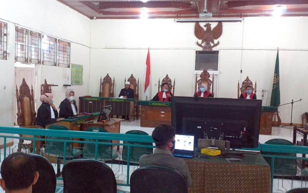 Sidang dengan agenda pembacaan putusan di Pengadilan Negeri Bukittinggi, Rabu (17/02/2021)
