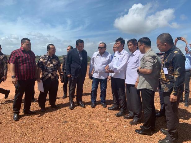 Kunjungan ke lokasi rencana tiang pancang pembangunan Jembatan Batam-Bintang di Kota Batam, Kamis (6/2/2020)
