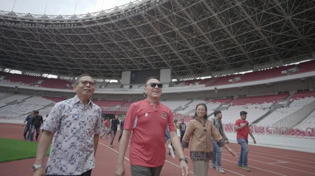 Ketua Umum PSSI Mochamad Iriawan mengecek kondisi Stadion Gelora Bung Karno