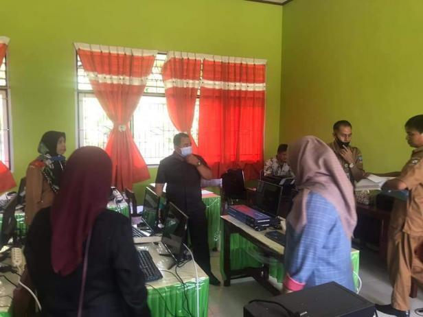 Komisi I Dewan Perwakilan Rakyat Daerah (DPRD) Kabupaten Dharmasraya, Provinsi Sumatera Barat,  melakukan kunjungan kerja (Kunker) ke beberapa Sekolah Dasar Negeri (SDN) yang ada di kabupaten Dharmasraya.