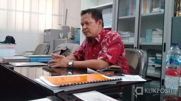 Anggota DPRD Kota Padang, Djunaidy Hendry di ruang kerja Komisi III