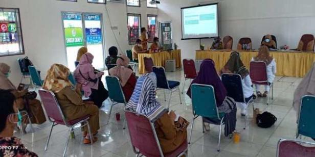 Rapat koordinasi persiapan pelaksanaan vaksinasi tahap dua Dinkes bersama Fasyankes Kota Solok