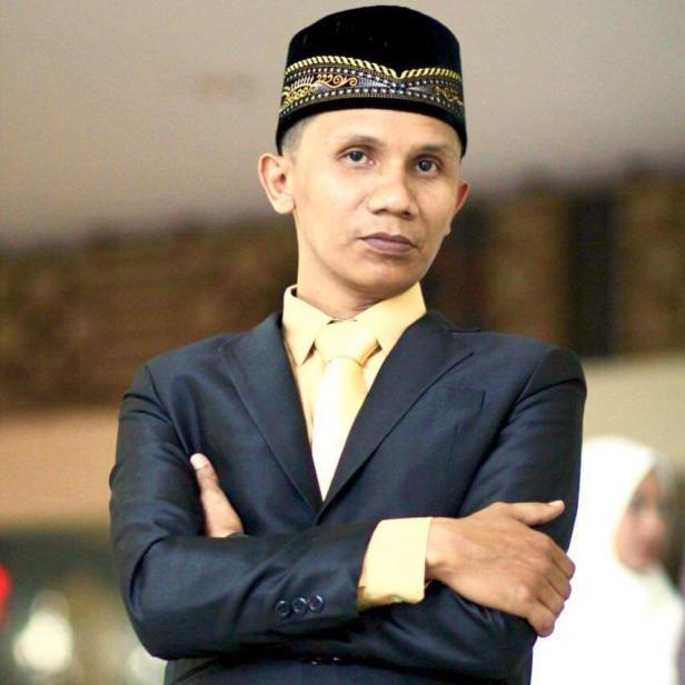 Hengki Armez Hidayat, dosen di fakultas kesenian UNP