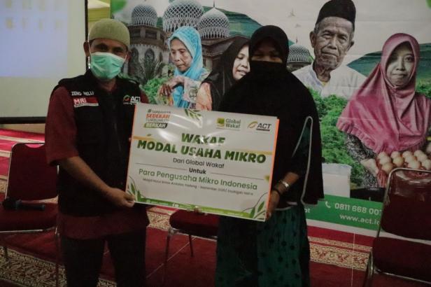 Global Wakaf-Aksi Cepat Tanggap (ACT) Sumatera Barat kembali meluncurkan program Wakaf Modal Usaha Mikro di Masjid Nurul Ikhlas Andalas, Jum'at (25/09) Kemarin.