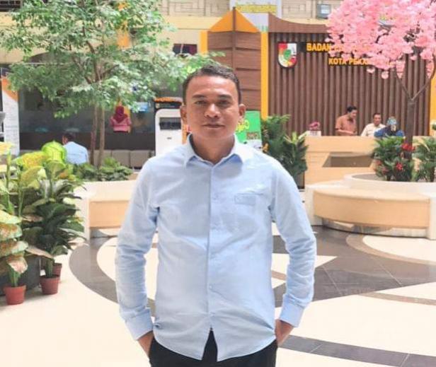 Ketua DPC Partai Gerindra Pasaman, Bustomi dan sekaligus Ketua DPRD Pasaman