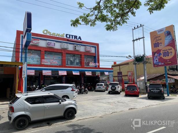 Salah satu outlet Citr Swalayan di Kota Padang.