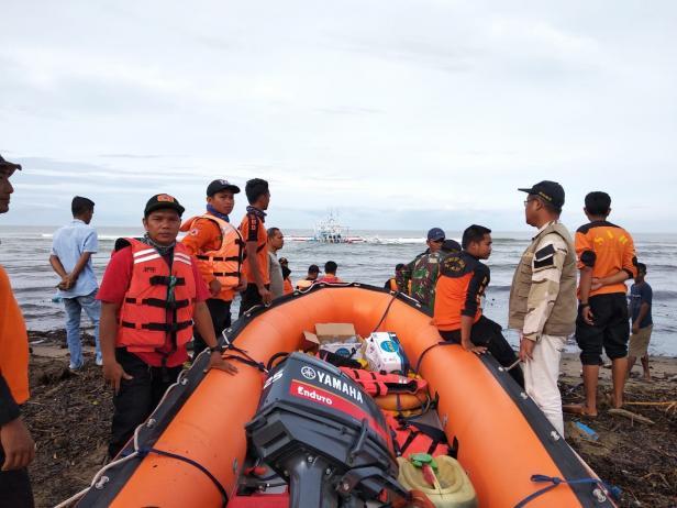Tim gabungan dalam pencarian nelayan asal Airhaji yang dilaporkan hilang di perairan setempat