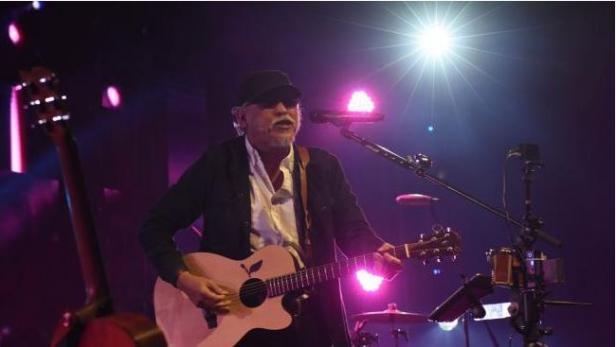 penyanyi legendaris Iwan Fals