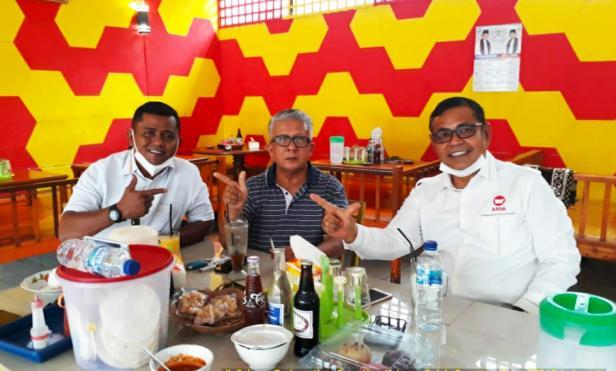 Mantan Bupati Solok, Syamsu Rahim bersama Epyardi Asda - Jon Pandu
