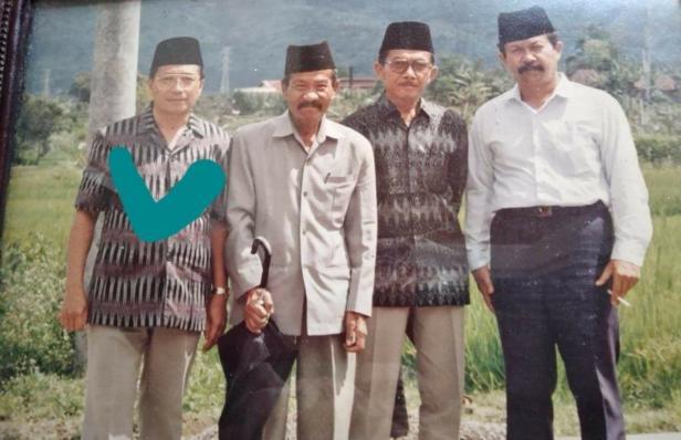 Akhyarli Abdul Djalil diceklis biru