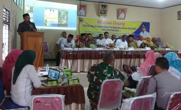 Anggota DPRD Adri Jinil Simabura menyampaikan pokok pikiran pada Musrenbang Nagari Batu Taba