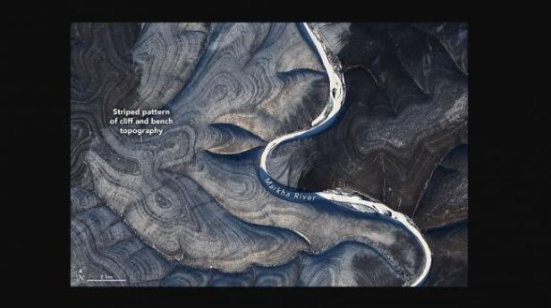 Garis-garis geologi aneh di Rusia October 29, 2020.