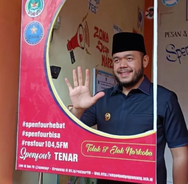 Wako Fadly Amran Melaunching SMPN4 Kota Padang Panjang Sebagai Lingkungan SAN