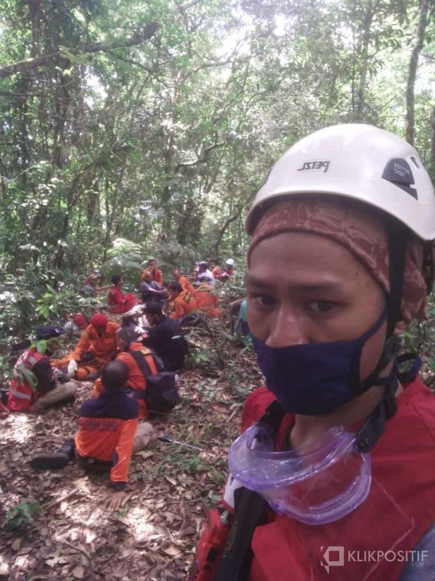 Tim SAR Gabungan saat berada di Hutan Sungai Talang dalam rangka melakukan pencarian terhadap seorang warga di Lima Puluh Kota