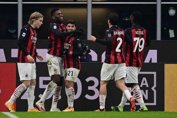 Milan menang saat menjamu Torino