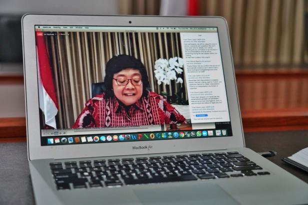Mentri Lingkungan Hidup Siti Nurbaya Bakar dalam pertemuan internasional 'Virtual Ministerial Dialogue with Local and Regional Governments Strengthening Coordination to Implement the Paris Agreement'.