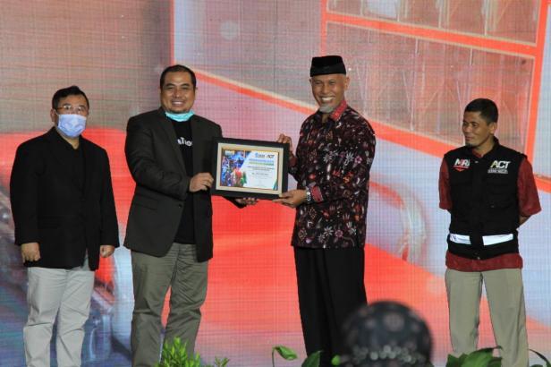 Kota Padang mendapat apresiasi yang setinggi-tingginya dari Lembaga Kemanusiaan Aksi Cepat Tanggap (ACT) sebagai Kota Dermawan, Selasa (22/12).