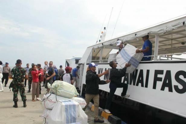Kapal penumpang ke Mentawai