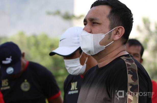Manajer Semen Padang FC Effendy Syahputra