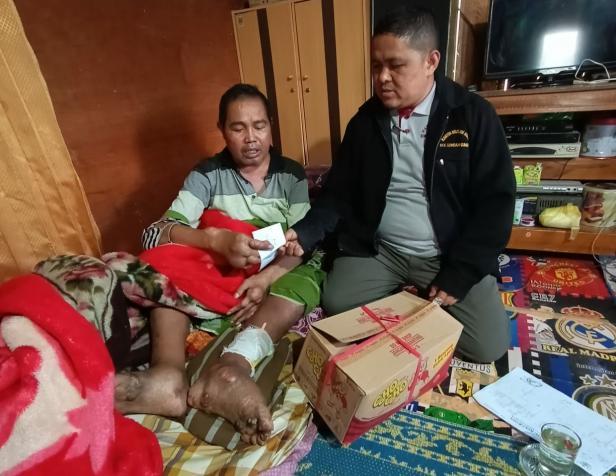 Wirfha Tanjung saat dikunjungi Masriwal di Kediamannya di Sungai Nanam Solok