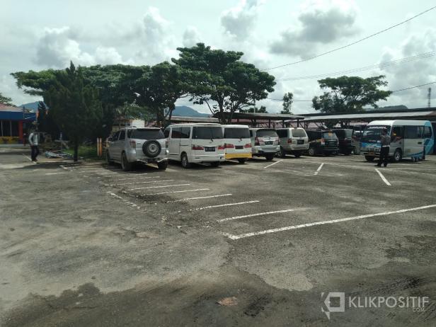 Mobil yang diamankan Polres Lima Puluh Kota karena mencoba melintasi perbatasan Sumbar-Riau.