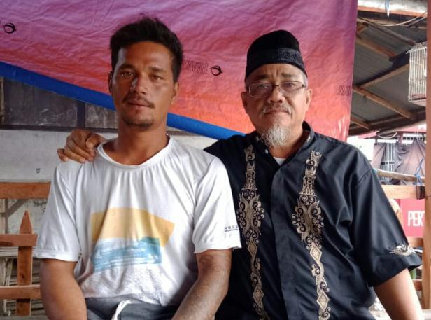 Ali Marhot Nelayan Asal Sibolga (kiri) bersama Wakil Ketua HNSI Pasbar Horizon Nahkodo Rajo.