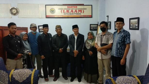 Foto bersama PC GPK dengan LKAAM