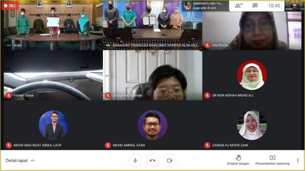 tangkapan layar zoom acara MoU antara PNP dan UiTM yang dilaksanakan secara daring, Rabu (21/4/2021)